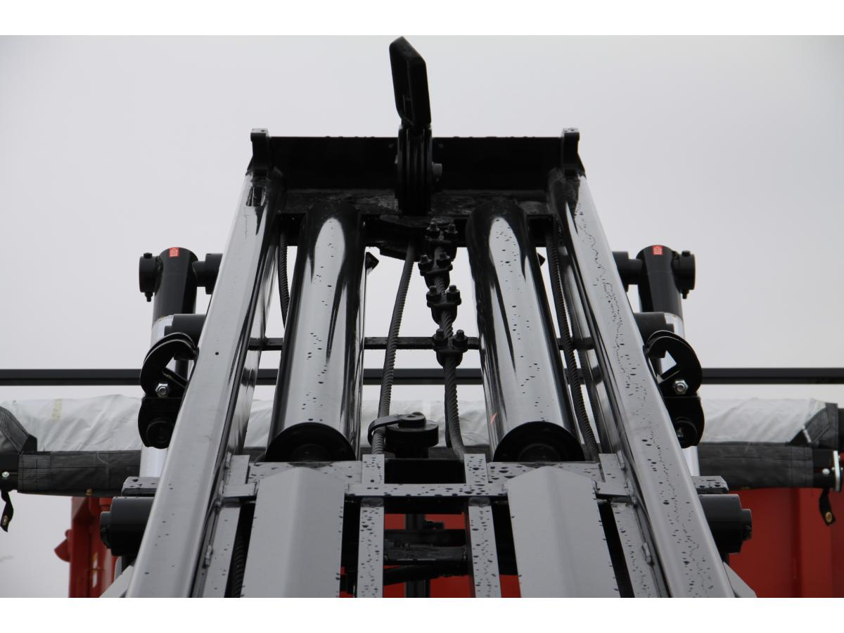 Galbreath Texas Tongue roll‐off cable hoist